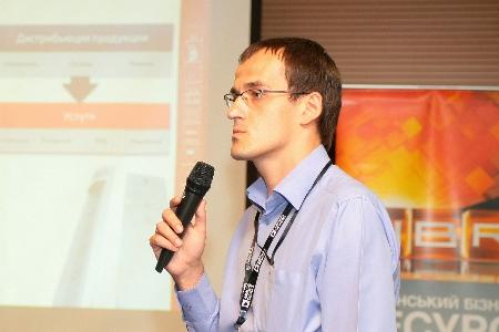 Алексей Валентик (VD MAIS, Киев) с докламом о разработке и производстве на заказ светодиодных светильников