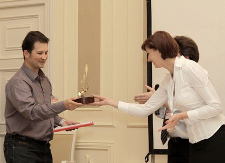 Премия ЖЭР вручается ЗАО ПФ «Элвира» в номинации «За достижение уникальных технических параметров»