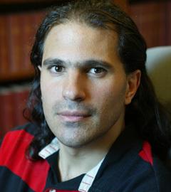 Нима Аркани Хамед. Фото с сайта www.sns.ias.edu/