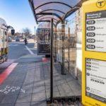 Гигантскими экранами E Ink оборудуют остановки транспорта в Бостоне