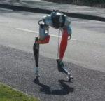 Двуногий робот научился проходить 5 км за час на одной зарядке